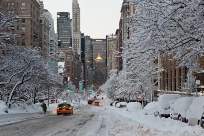 usa-new-york-winter-city-town