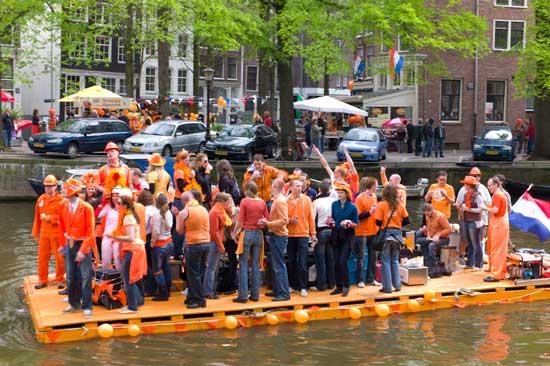 amsterdam-queens-celebratio